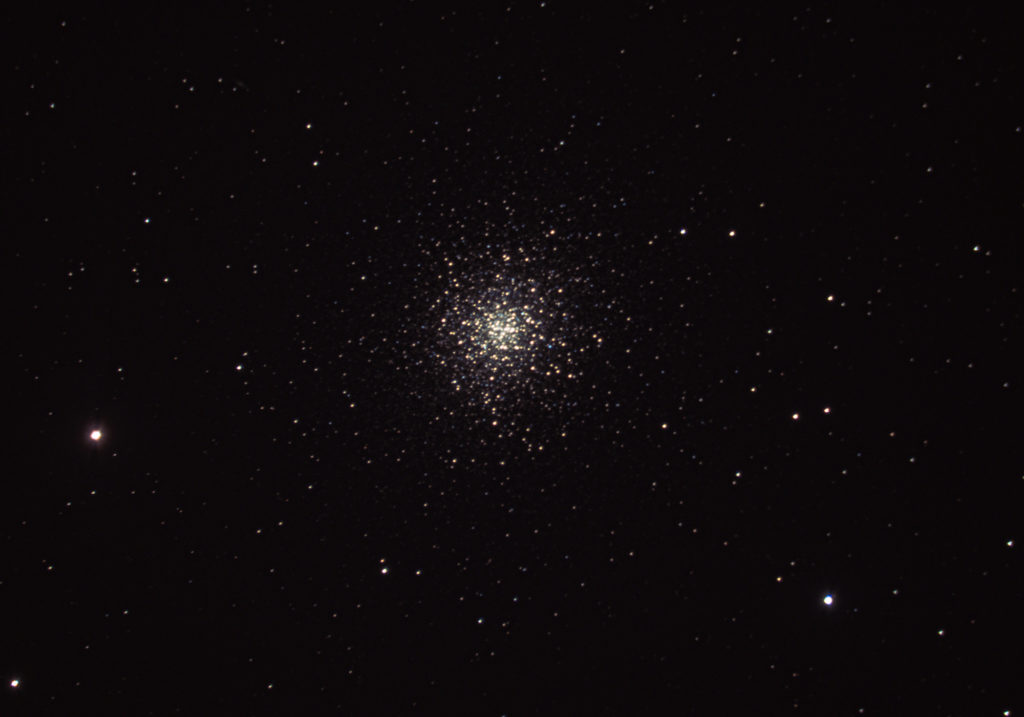 Amateur astrophotography of globular cluster Messier 13